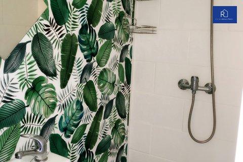 004 sprcha