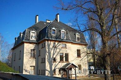 Zrekonstruovaný byt 2+kk v cihl. domě se zahradou, Liberec - Strakonická ul., Ev.č.: 263311