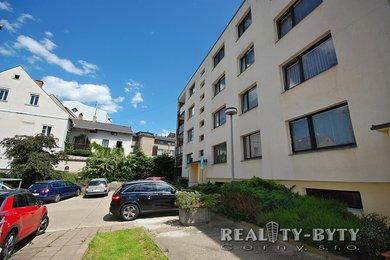 Prodej bytu 3+1 v klidném centru města, Turnov - ul. A. Dvořáka, Ev.č.: 264211