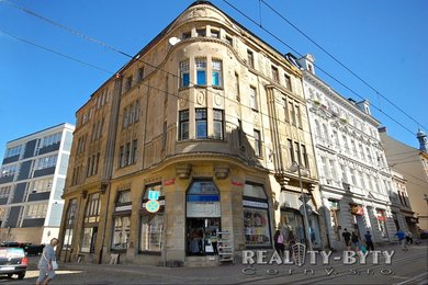 Prodej většinového podílu historické budovy přímo v centru Liberce - Šaldovo nám., Ev.č.: 264711