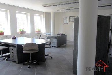 kanceláře-Tř.T.Bati 010