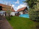 Pronájem rodinného domu 3+1 se zahradou a bazénem - Praha - Kyje, Ev.č.: 00553