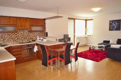 Pronájem bytu Brno-střed (Štýřice), byt 2+kk s garáž. stáním ul. Vídeňská, Ev.č.: 00053-1
