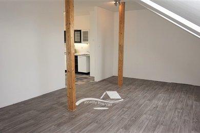 REZERVACE - Pronájem bytu Brno-Židenice, pěkný byt 3+kk Kuklenská, Ev.č.: 100125-1