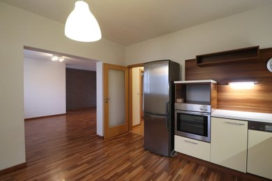 Prodej bytu 4+1 Brno-Komín, ul. Jundrovská, Ev.č.: 100288