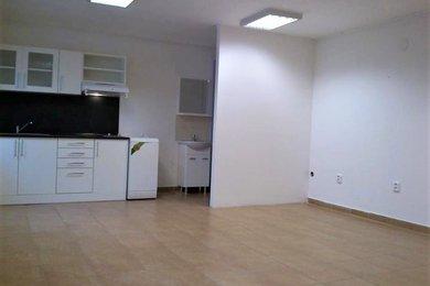 Pronájem bytu Vranovice, Brno-venkov, nezařízený byt 1+kk ul. Hlavní, Ev.č.: 100127-2