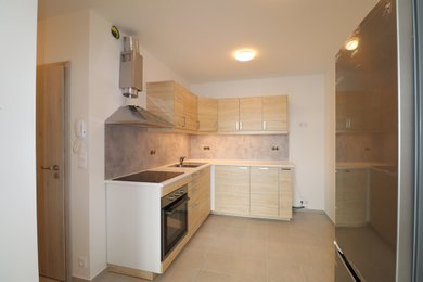 Pronájem nového bytu 2+1 Rosice, Brno-venkov s park. stáním, Ev.č.: 100367
