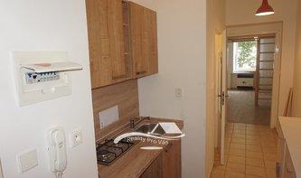 Pronájem bytu Brno-Husovice, rekonstruovaný byt 1+kk Nováčkova
