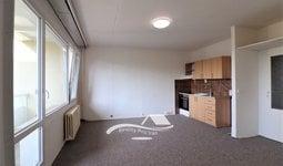 Pronájem bytu Brno-Starý Lískovec, byt 2+kk s lodžií ul. U Hřiště