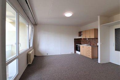 Pronájem bytu Brno-Starý Lískovec, byt 2+kk s lodžií ul. U Hřiště, Ev.č.: 100376-1