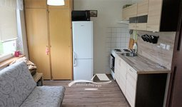 Pronájem bytu Brno-Bystrc, byt 1+1 s lodžií ul. Teyschlova