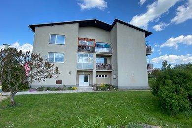 Prodej bytu 3+1 s garáží v obci Banín, Ev.č.: 042/2021