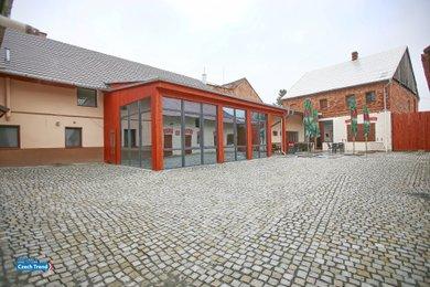 Prodej, obchodních, výrobních, skladovacích, retauračních, ubytovacích  prostor,  700m² - Přáslavice, Ev.č.: 01394