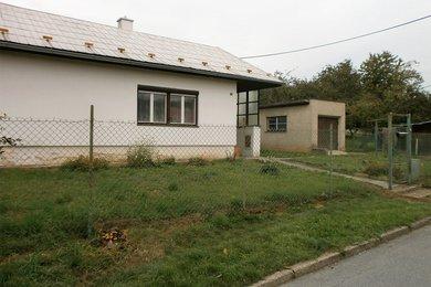 Prodej rodinného domu 127 m², pozemek 1.219 m², Ev.č.: 01520