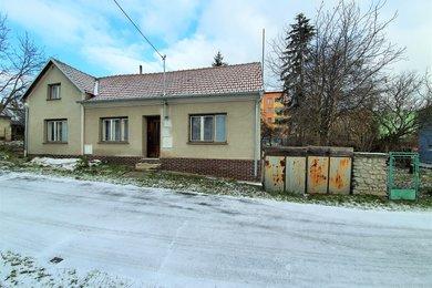 Prodej rodinného domu 3+1 se zahradou, pozemek 778 m2., Ev.č.: 01559