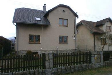 Prodej rodinného domu (3 byty) 280 m², pozemek 1 076 m², Ev.č.: 01567