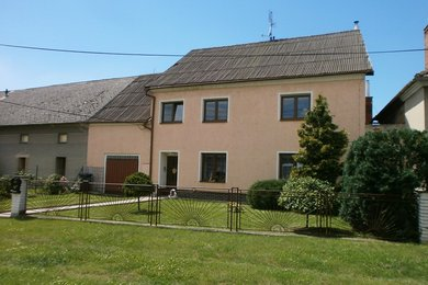 Prodej rodinného domu 300 m² (3+1, 2+1), pozemek 541 m², Ev.č.: 01662