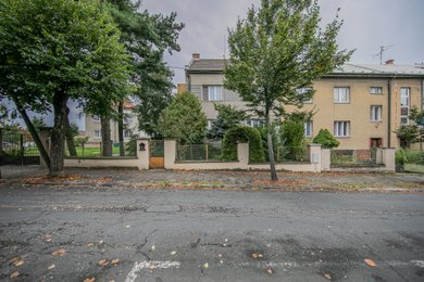 Prodej 1/2 podílu vily, pozemek 573 m2, Olomouc, Ev.č.: 01706