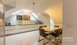 Pronájem bytu 3+1 135 m², ulice Dělnická, Dolní Břežany - část obce Dolní Břežany