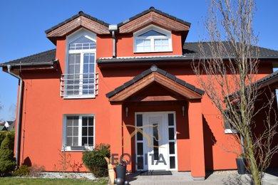 Prodej nízkoenergetického RD Kunice 172m2, garáž 70m2, pozemek 1197m2