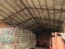 interiér skladovací haly