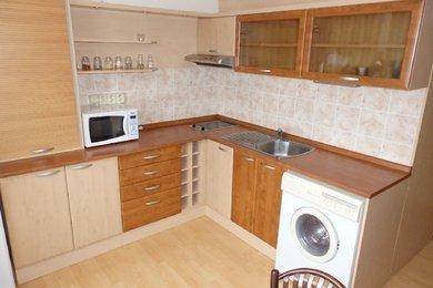 Podnájem, Byt 1+1 zařízený; pračka, lednice, zasklená lodžie, 33 m², Blansko, Ev.č.: 17010156