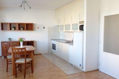 Pronájem část. zařízeného, pěkně dispozičně řešeného bytu 1+kk v OV s parkovacím stáním; Blansko, část Zborovce, Ev.č.: 19010271
