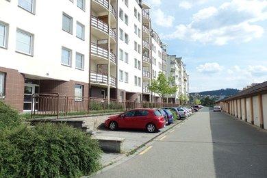 Podnájemní bydlení s pěkným výhledem do okolí. Podnájem bytu 1+kk, nový sprchový kout, toaleta, CP 28 m2, Blansko, část Písečná, Ev.č.: 19010289