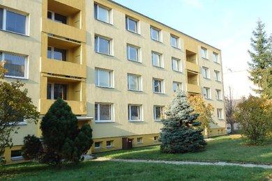 Pronájem bytu 3+1, pěkná dispozice, zařízený, lodžie, sklep, volný, CP 82,5 m² + lodžie, Blansko, ul. Cihlářská, Ev.č.: 19010294