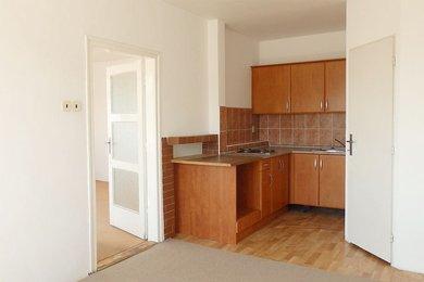 Pronájem bytu 1+1 s balkonem v rodinném domě s možností využívat zahradu, klidná část, Blansko, ul. Husova., Ev.č.: 20010312