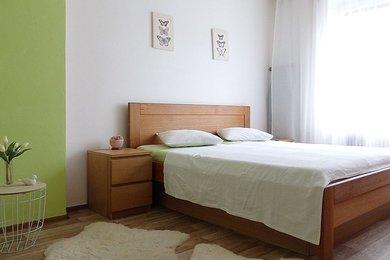 Cihlový byt 2+1 s pěknou dispozicí, v samém centru města Blanska, balkon, sklep (4,90 m2), CP 56,96 m² , vytápění - tepelné čeradlo; Blansko, Ev.č.: 20010314
