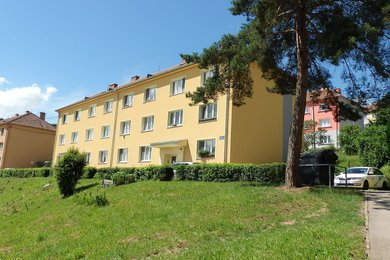 Pěkný pronájem bytu 2+1 v blízkosti Brna, po rekonstrukci, zařízený a s pěkným výhledem; Adamov, okr.Blansko, Ev.č.: 20010337