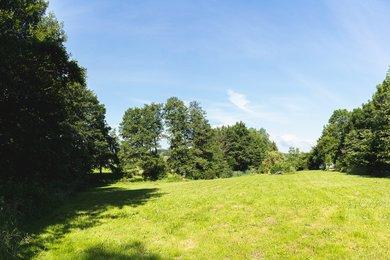 Rovinatá zahrada s rybníkem na krásném místě u lesa, CP 6 514 m², Valchov, okr. Blansko, Ev.č.: 20010341