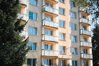 Pronájem rekonstruovaného bytu 1+1 s pěkným výhledem, CP 40 m2, Boskovice, ul. Hybešova, Ev.č.: 20010346