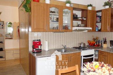 Prodej, bytu 2+1 se šatnou a prostornou lodžií s výhledem do zeleně, CP 59,2 m² + lodžie 5 m2; Blansko, Písečná, Ev.č.: 20010356
