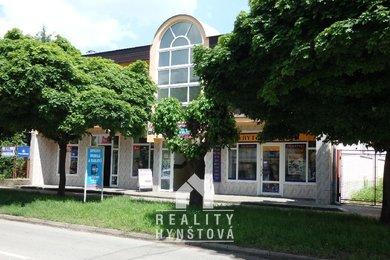 Pronájem pěkných kanceláří přímo v centru města; kancelář CP 28 m2 s lodžií 5 m2 a kancelář  37 m2 Blansko, ul.Bezručova, Ev.č.: 20010360