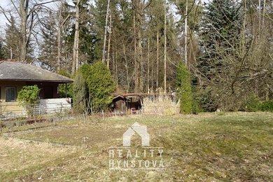 Prodej zděné chaty umístěné na slunné zahradě, CP 1567 m²; el., užit. voda - Blansko - Bačina, Ev.č.: 21010387