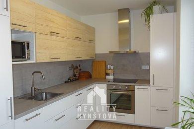 Pronájem plně zařízeního bytu 2+1 s balkonem, po rekonstrukci, v samém centru města  Blanska, CP 56 m2., Ev.č.: 21010388