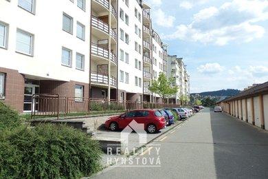 Podnájemní bydlení s pěkným výhledem do okolí. Podnájem bytu 1+kk, nový sprchový kout, toaleta, CP 28 m2, Blansko, část Písečná, Ev.č.: 21010389