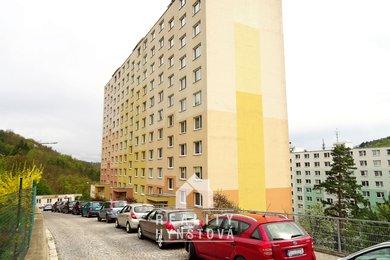 Pronájem částečně zařízeného bytu o vel. 2+1 s lodžií, CP 56m² - Adamov, ul. Sadová, Ev.č.: 21010399