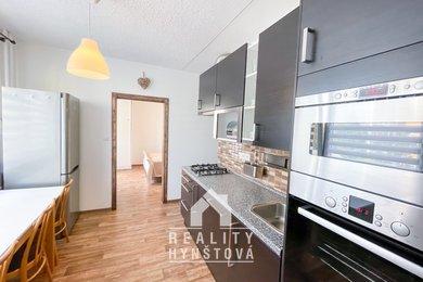 Prodej bytu 3+1po rekonstrukci,vhodný na investici i k bydlení, v Třebíči - Nové Dvory, v žádané lokalitě, CP 74 m², Ev.č.: 21010407