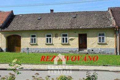 Prodej podsklepené zemědělské usedlosti s rovinatou zahradou, velkou stodolou, klenuté sklepy, CP pozemků 1.995 m2, Šebetov, okr. Blansko, Ev.č.: 21010413