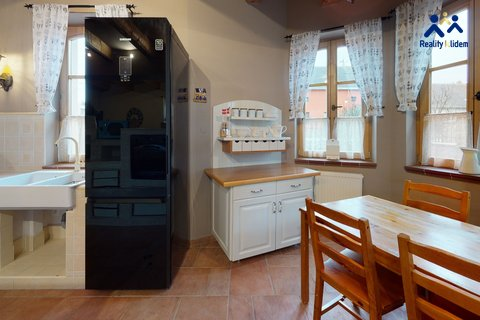 Rodinny-dum-okr-Vyskov-Kitchen