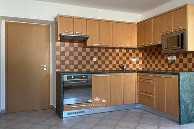 Pronájem bytu 2+kk, 50m² se zahradou a skladem - Kravaře, Ev.č.: 00024