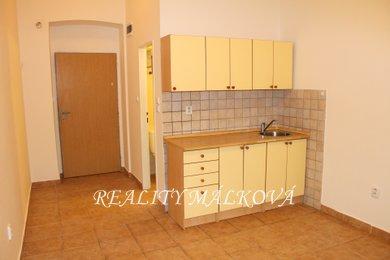 Pronájem, Byty 1+kk, 16m² - Pardubice - Zelené Předměstí, Ev.č.: 00278