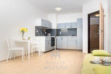 Cihlový byt 2+kk s velkou lodžií Majdalenky, Ev.č.: 000657