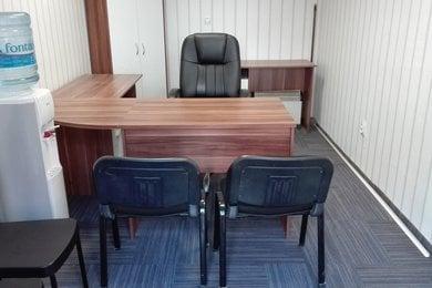 Pronájem malé kanceláře s výlohou na rušné ulici v Žabovřeskách, Ev.č.: 000683