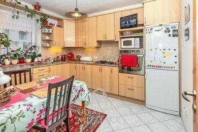 Prodej bytu 2+1 s vlastní zahrádkou 225 m2 v Kuřimi, Ev.č.: 000812