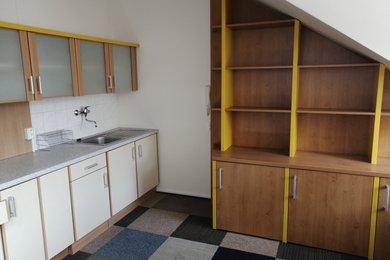 Pronájem kanceláře s kuchyňkou 21 m2 Brno - Židenice, Ev.č.: 000865