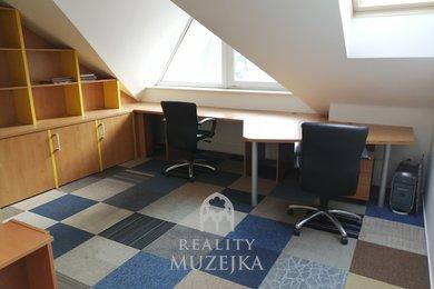 Pronájem kanceláře s kuchyňkou 21 m2 Brno - Židenice, Ev.č.: 000879